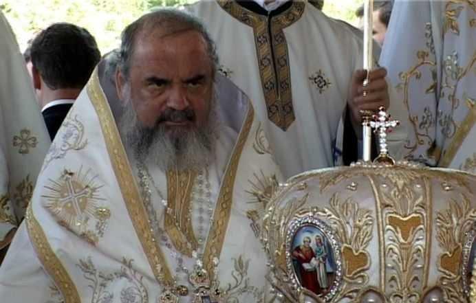 """""""Este ziua DESFRÂULUI"""". Atac VIRULENT al Bisericii Ortodoxe faţă de """"Ziua Dragostei"""". Ce eveniment are loc sâmbătă"""
