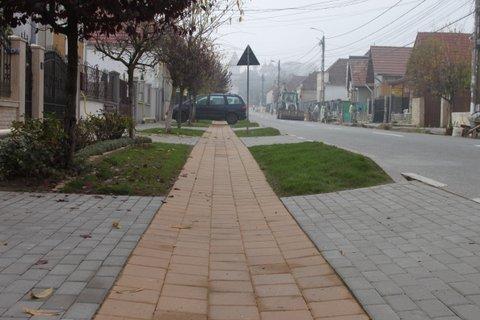 Prima comună din România cu pistă pentru biciclişti. Proiectul a costat peste 500.000 de lei