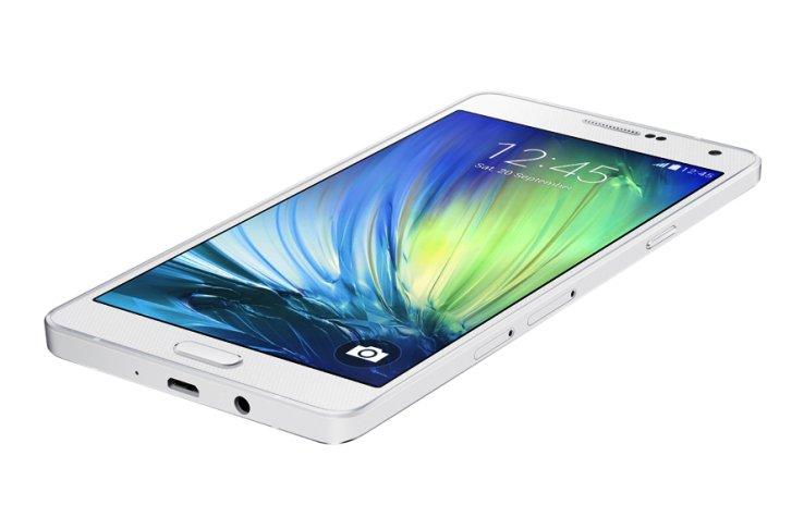 """Samsung vrea să ofere camere """"inteligente"""" pe viitoarea generaţie de smartphones"""