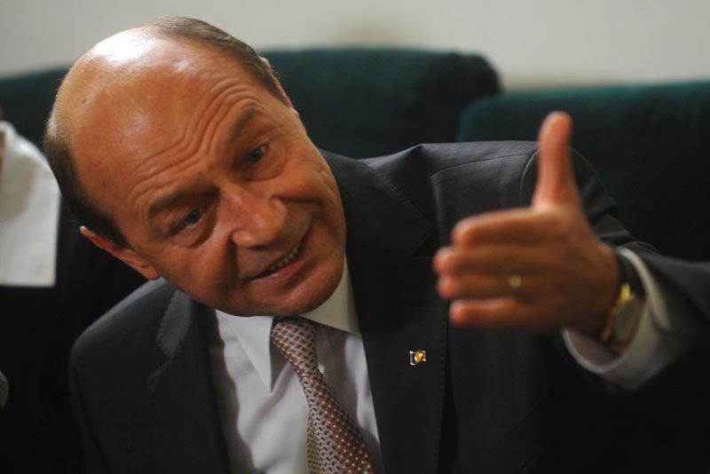 """Băsescu, reacţie incredibilă într-un platou de televiziune: """"CNA să pună capăt abuzurilor"""""""