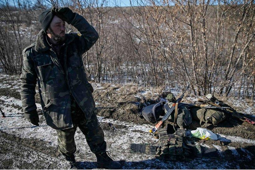 Trupele ucrainene, ATACATE în retragere la Dabalţevo. Sute de soldaţi morţi, răniţi, dispăruţi sau capturaţi de separatişti
