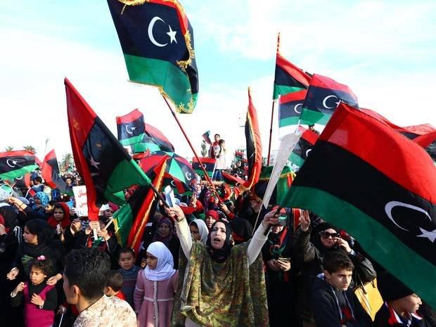 Marea Britanie se opune ridicării embargoului privind armele impus Libiei