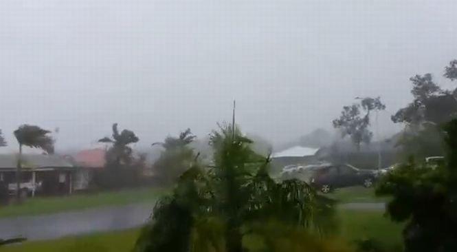 Ciclonul Marcia a avariat peste 1.000 de locuinţe în Australia. În 350 dintre ele nu se mai poate locui