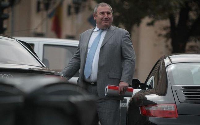 """Dorin Cocoş a """"ciripit"""" cu folos. Fostul soţ al Elenei Udrea în arest la domiciliu"""