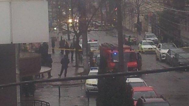 Patru alerte cu bombă la bănci din Chişinău, înaintea vizitei lui Iohannis. Preşedintele a ajuns în Republica Moldova