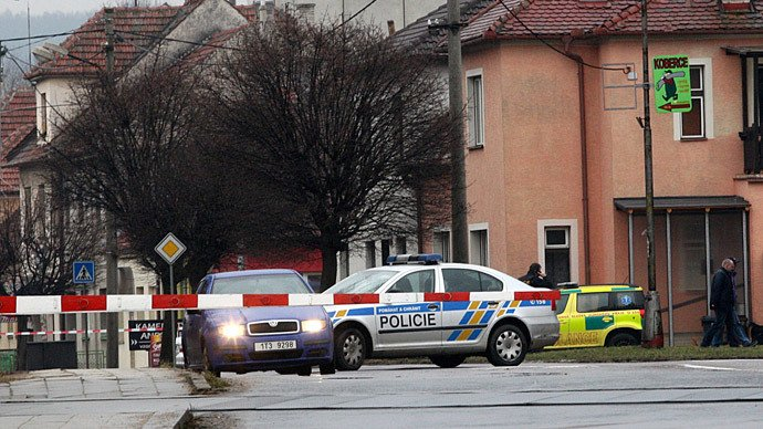 Autorul atacului armat din Cehia a sunat la o televiziune înainte de tragedie şi a cerut o echipă de filmare în oraş