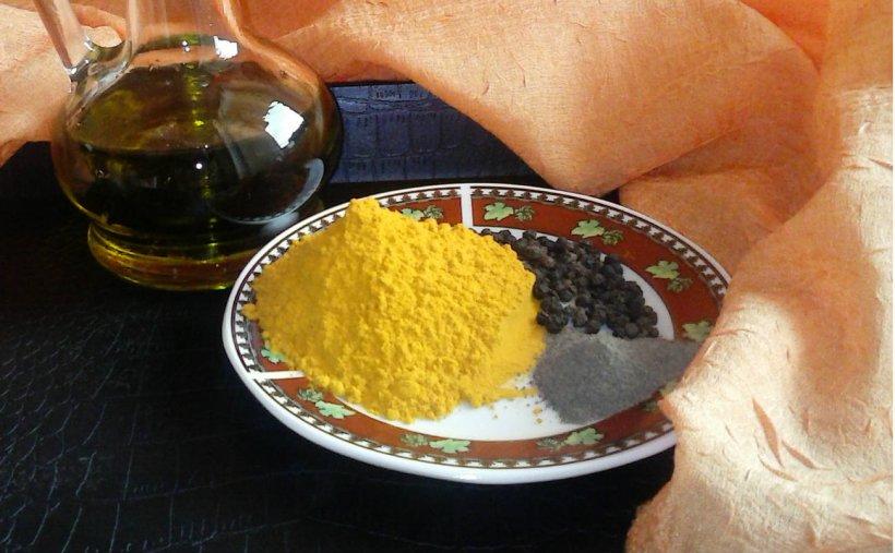 """Ce se întâmplă dacă amesteci piperul negru cu turmericul şi uleiul de măsline. """"Previne în mod eficient CANCERUL"""""""
