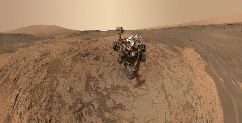 Temerarul robot spaţial Curiosity prezintă cel mai recent selfie panoramic de pe Marte