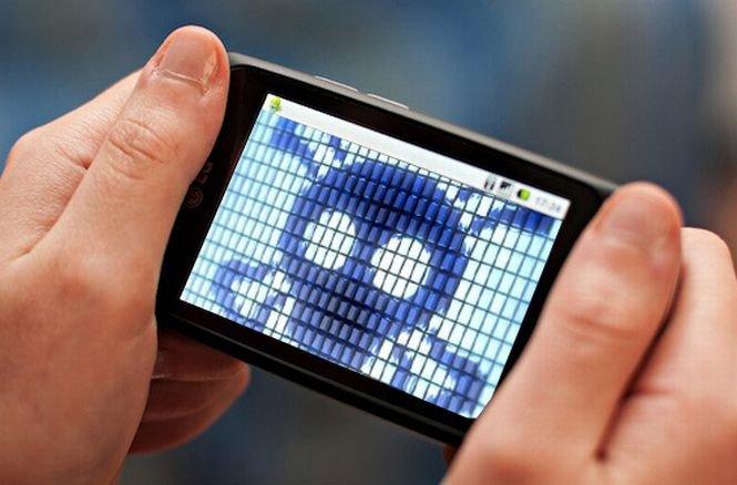 Experţi în securitate cibernetică: Peste 5 miliarde de aplicaţii pentru Android, vulnerabile la atacurile hackerilor