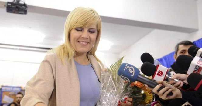 Elena Udrea monitoriza tot ce mişcă. Ştia de câte ori numele ei apărea în presa online