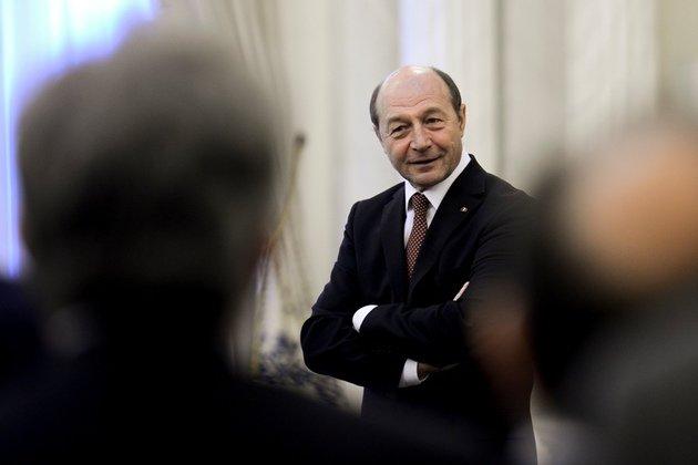 """""""Ar fi foarte bine dacă procurorii l-ar lua pe Traian Băsescu"""". CINE a beneficiat de fapt de şpaga din Dosarul Microsoft în 2009"""