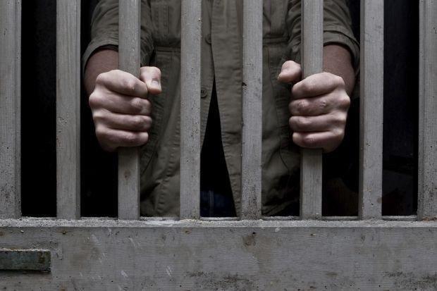 Peste 1.000 de oameni au spart o închisoare, pentru a linşa un violator