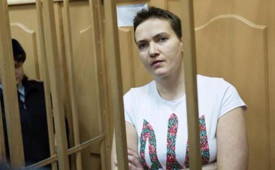 Pilotul ucrainean Nadia Savcenko şi-a încetat greva foamei
