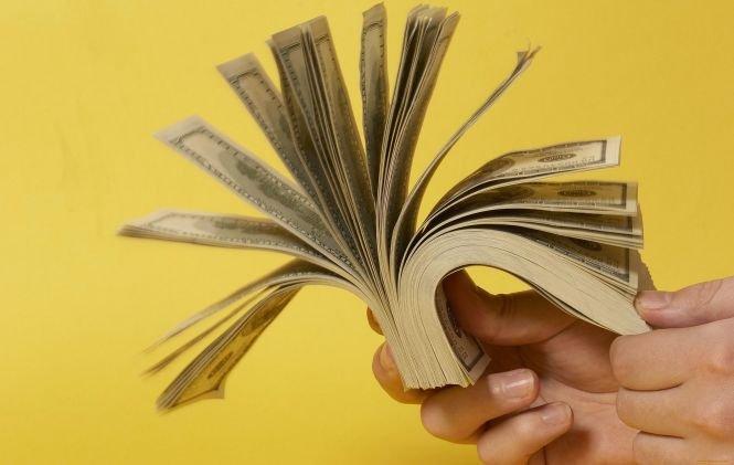 Dolarul, la un nou nivel-record. Vezi cursul BNR