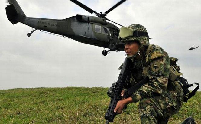 Columbia suspendă atacurile aeriene asupra taberelor FARC