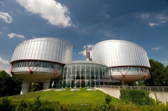 CEDO condamnă Grecia pentru tratamente inumane aplicate unor deţinuţi, între care şi un român