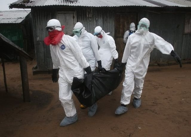 Ebola: A fost depășit pragul de 10.000 de decese