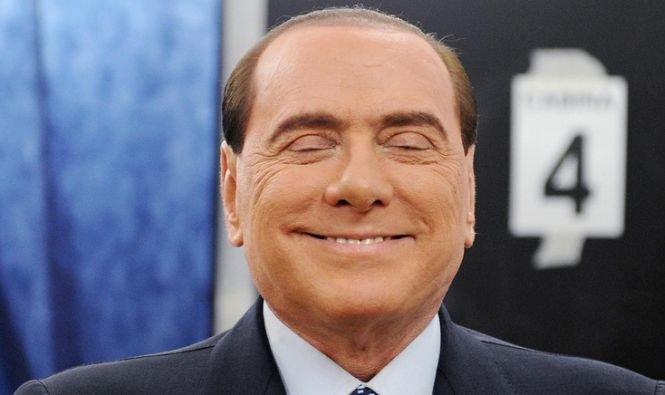 """2,15 milioane euro pentru """"fetele lui Berlusconi"""". O româncă, recompensată cu 40.000 de euro pentru participarea la petrecerile fostului premier"""