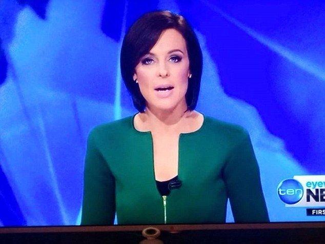 """Prezentatoarea TV care a stârnit o """"furtună"""" pe Facebook. Cu ce era îmbrăcată la pupitrul ştirilor"""