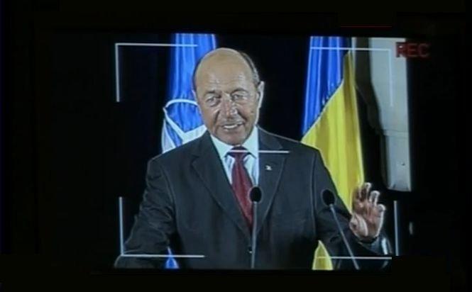 Sinteza zilei: Traian Băsescu a confirmat că este SUSPECT în dosarul de şantaj
