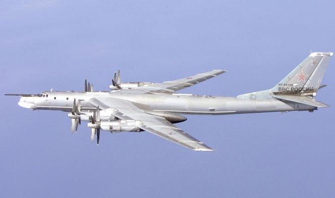 """Ruşii şi-au trimis bombardierele în zona arctică. """"Testăm pregătirea pentru luptă a forţelor aeriene"""""""