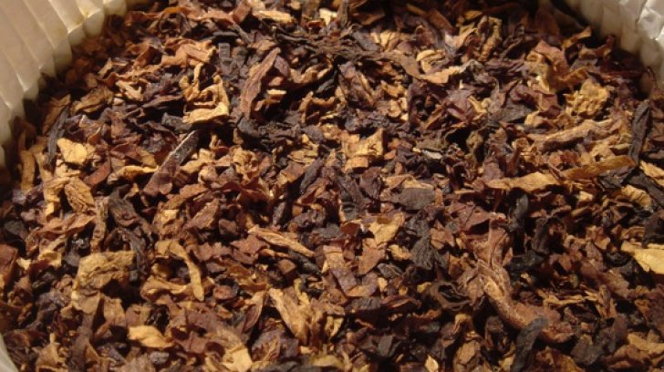 Evaziune fiscală de 16 milioane lei cu tutun pentru narghilea. Zece persoane, aduse la audieri la DIICOT