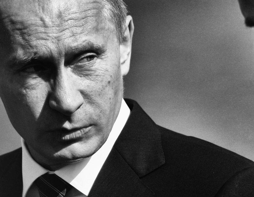 Cu cât cumpăra Vladimir Putin TĂCEREA oamenilor. DOVADA a ce se întâmplă în aceste momente în Rusia