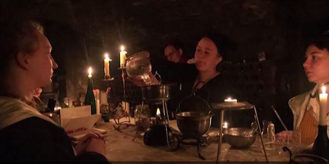 Şcoala de magie. Un castel din Polonia s-a transformat într-un tărâm al vrăjitoriei