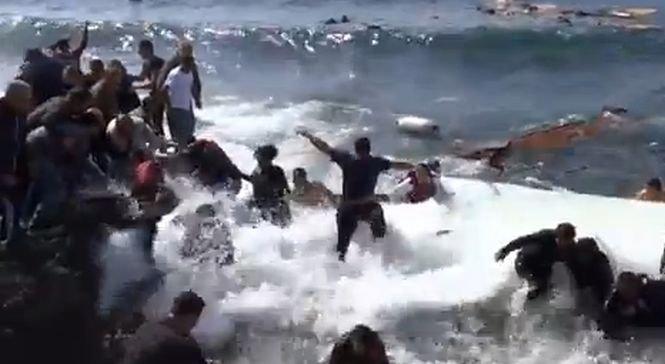 Naufragiu la ţărmul insulei greceşti Rodos. Cel puţin trei imigranţi au murit înecaţi