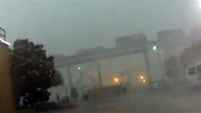"""INCREDIBIL! Vântul puternic A ZBURAT de pe şine un TREN DE MARFĂ: """"Parcă erau nişte cartoane"""" (VIDEO)"""