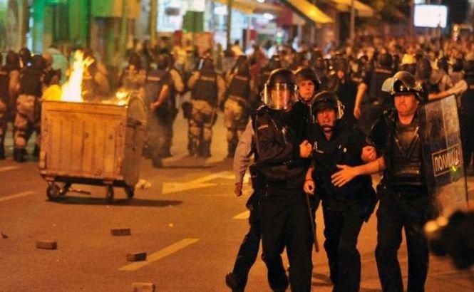Proteste violente în Macedonia. Cel puţin 19 persoane au fost rănite
