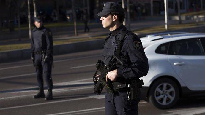 Situaţie de criză într-o creşă din Spania! Un cuţitar a luat ostatic un copil de 2 ani