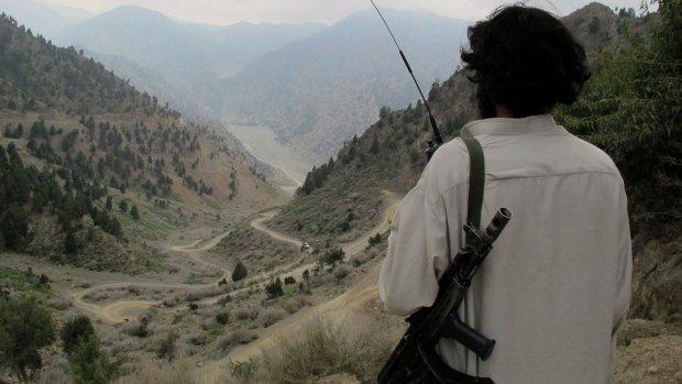 Pakistan. Raidurile aeriene ale armatei au ucis cel puţin 17 militanţi talibani