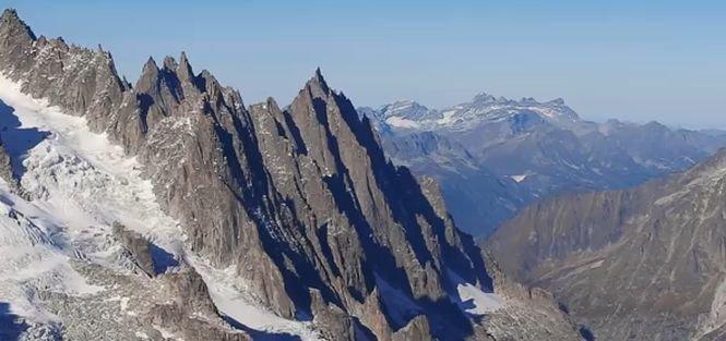 Cea mai mare fotografie din lume: 365 de gigapixeli. Panoramă XXXL a vârfului Mont Blanc