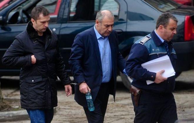 Dosarul Microsoft: Dorin Cocoş, primarul Pinalti, Gabriel Sandu şi Nicolae Niro, din nou în faţa instanţei