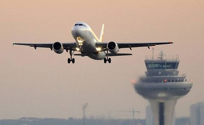 Spania. Controlorii de trafic aerian au declanşat GREVĂ