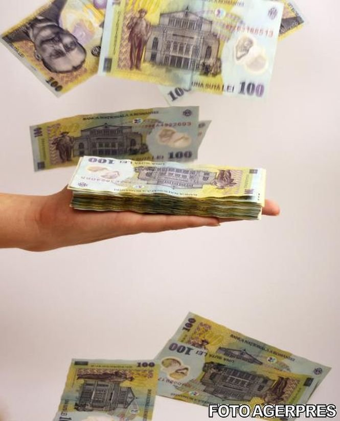 Un angajat al Primăriei Capitalei a fost prins când lua mită 40.000 de euro