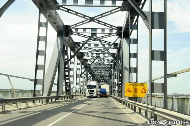 Restricţii rutiere pe podul de la Giurgiu