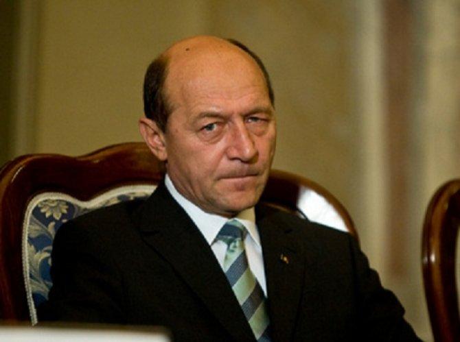 Traian Băsescu, ATAC la Victor Ponta: S-a operat în Turcia pentru a nu fi adus foarte repede cu mandat