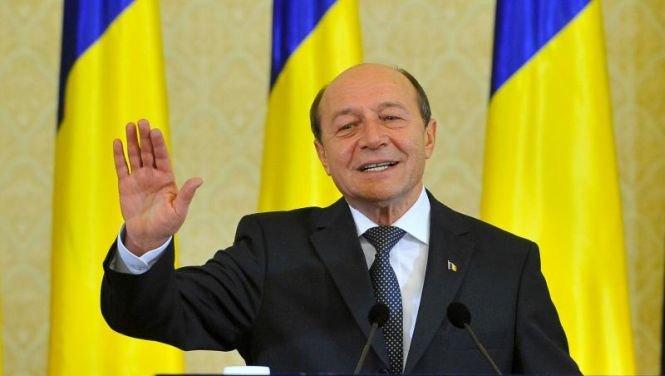 Fost ofiţer SRI: Sistemul lui Băsescu încă există