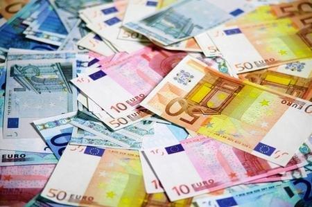 Contracte de sute de milioane de euro pentru apropiaţii PDL