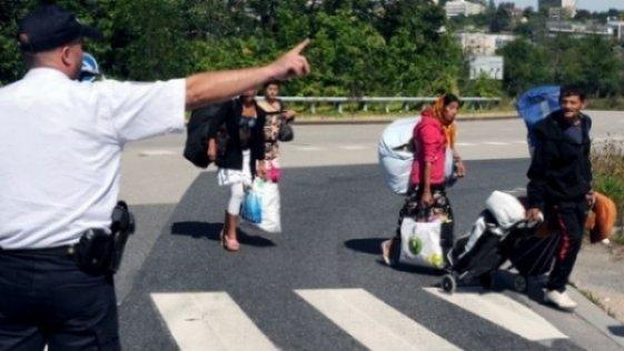 Mii de semnături pentru evacuarea românilor şi bulgarilor