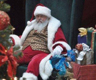 Moş Crăciun a intrat în faliment. Moşul este dator Fiscului cu 200.000 de euro