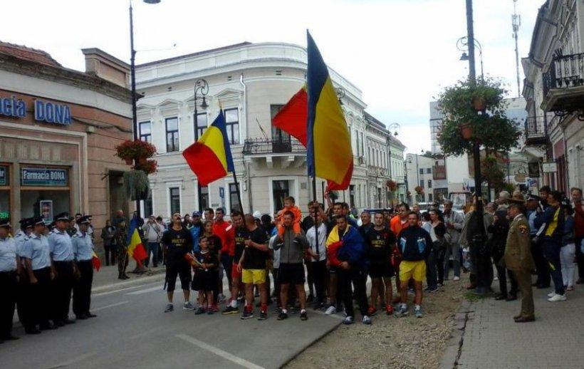 Gabriel Oprea cere sancţiuni în cazul refuzului de a se arbora drapelul României la Sfântu Gheorghe