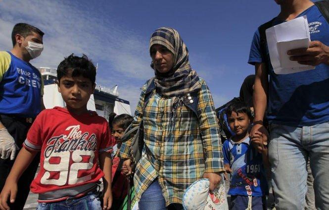 Cât câştigă traficanţii din transportul refugiaţilor