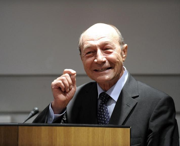 """Traian Băsescu, atacat de un fost apropiat. """"Să rânjeşti la moartea Tribunului e blasfemie"""""""