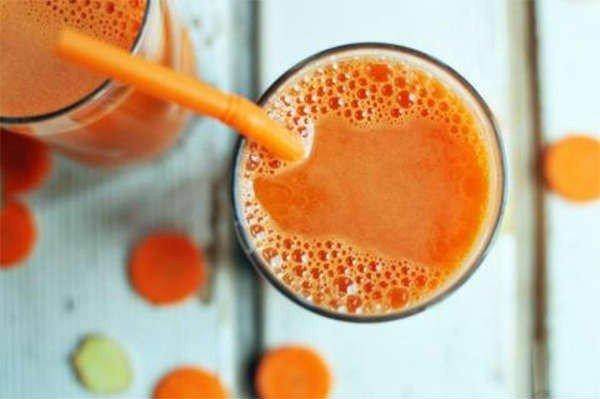 A băut suc de morcovi timp de opt luni. E incredibil ce s-a întâmplat în organismul femeii