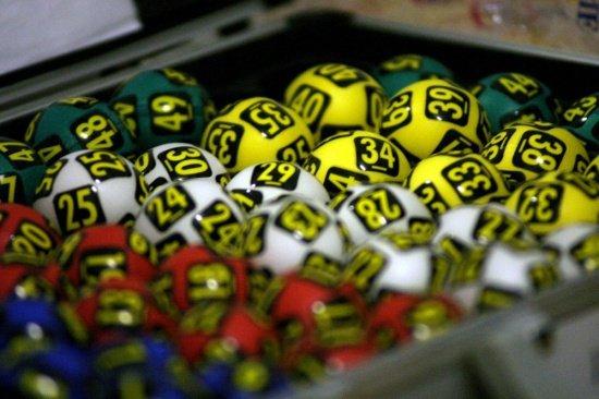 LOTO. LOTO 6 din 49. LOTO 6/49. Numerele câştigătoare extrase duminică, 27 septembrie