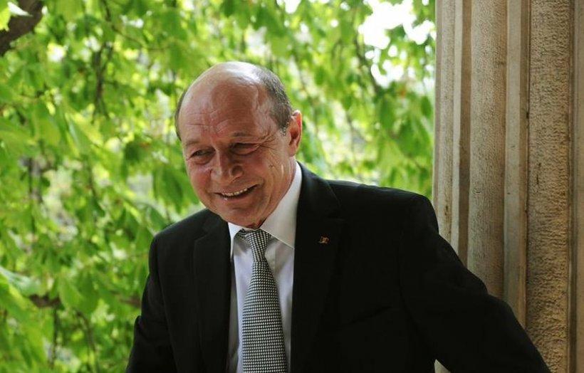 Traian Băsescu, nou atac furibund la adresa guvernului şi premierului