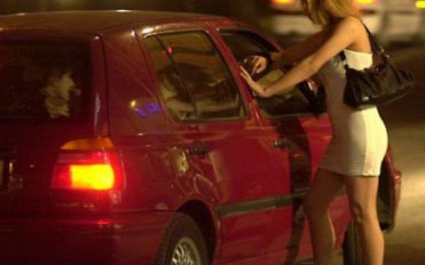 Minoră de 12 ani, obligată să practice prostituţia